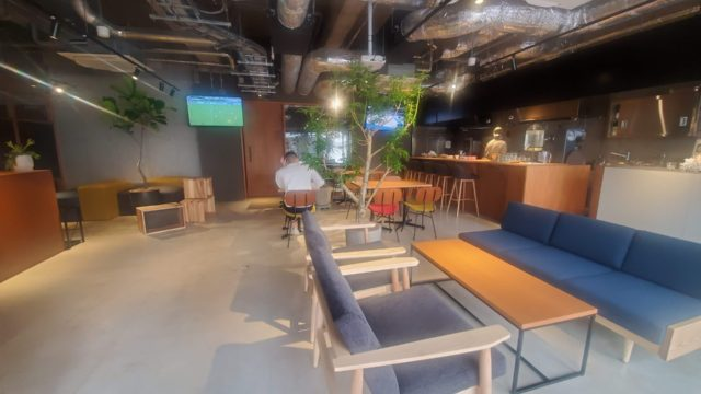 UNPLAN福岡1階カフェスペース